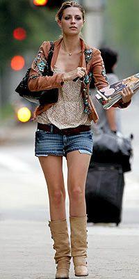 Mischa Barton  Bacaklarınız uzunsa çizmeyle de değişik bir tarz yakalayabilirsiniz.